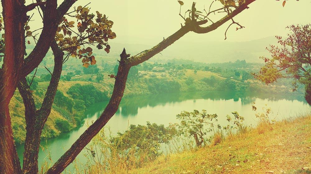 illumelation-nyinabulitwa-crater-lakes-uganda-kibale-forest-view-top-of-the-world-3